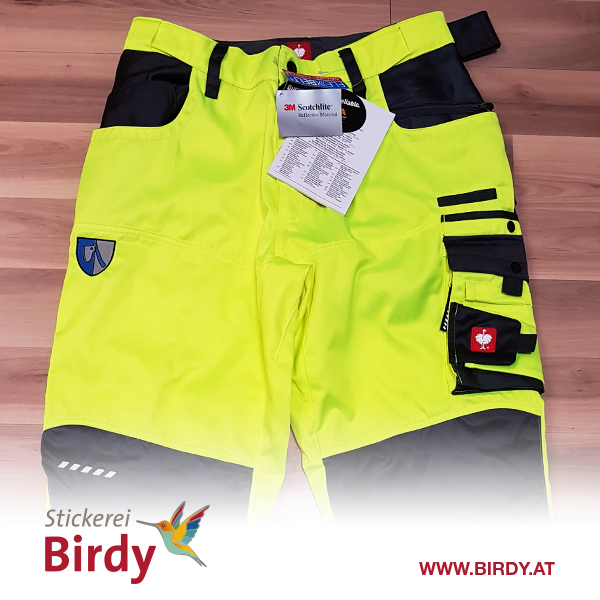 Berusbekleidung bestickt von birdy